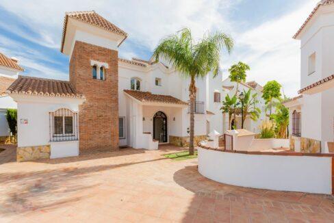 Villas in Riviera Del Sol (4)