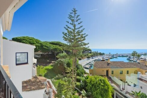 Property For Sale in Cabopino (5)